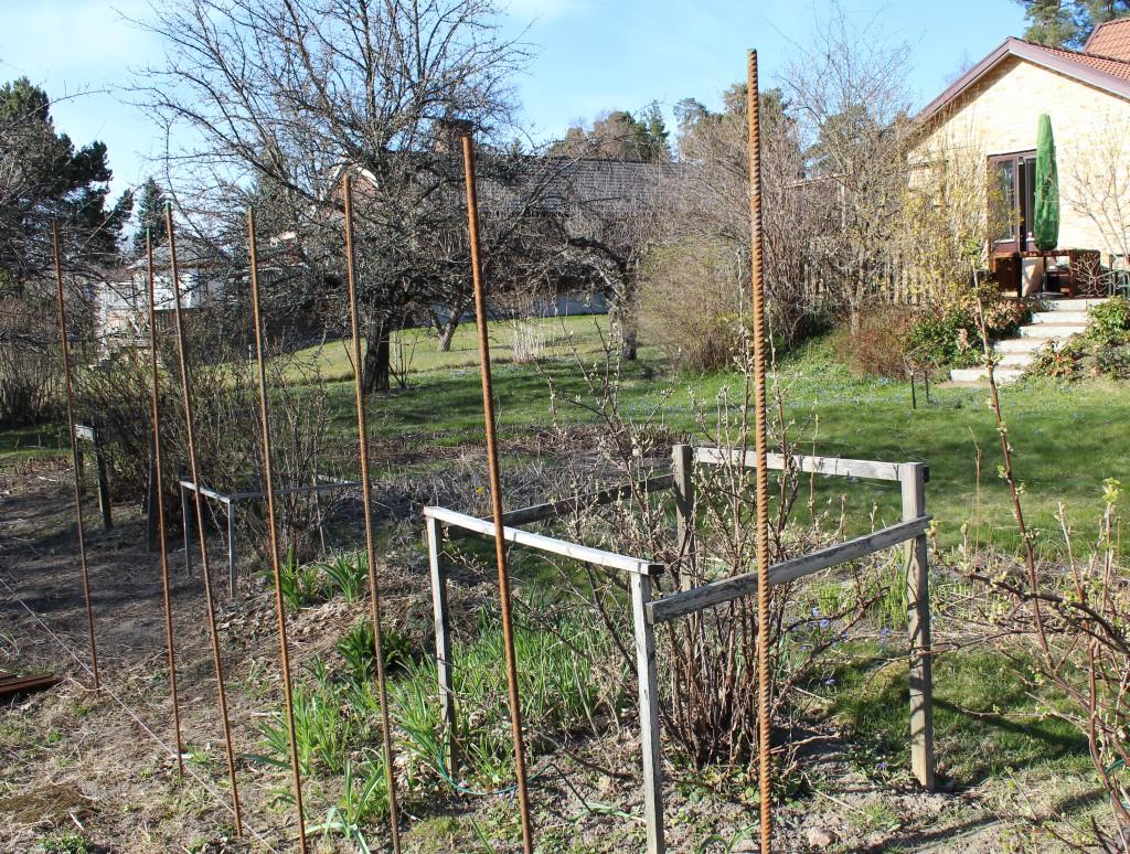 Köksträdgårdsplanering och staketbygge   The Yellow House